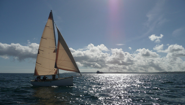 Beginner keelboat training in Cornwall